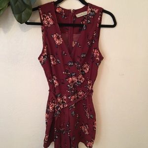 Abercrombie & Fitch red floral romper size 4